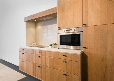 Keuken landelijk, model Kansas, massief hout lintzaag