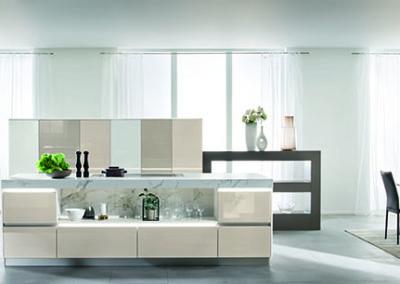 Keuken modern, greeploos, model Smart, hoogglans