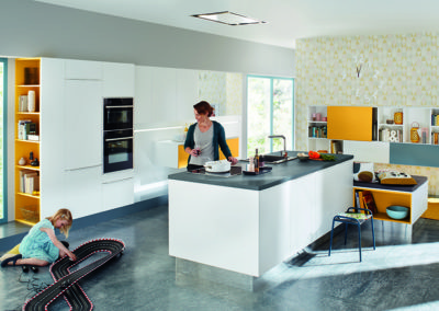 Keuken modern, model Resopal, deuren laminaat