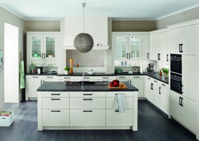 Keuken landelijk, model Breda, kaderdeur met groefjes