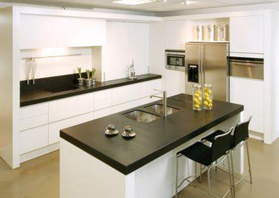 Keuken modern, greeploos, Wit