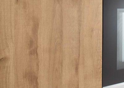 keuken in betonlook met hout accenten